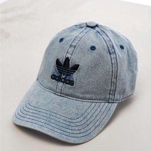 Adidas jean hat